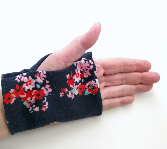 Thumbhole Cuff Tutorial by Hey June Handmade